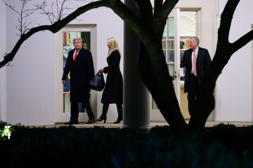 BB1cz6AK 850x565 - Trump Prepares Pardon List for Aides and Family, and Maybe Himself