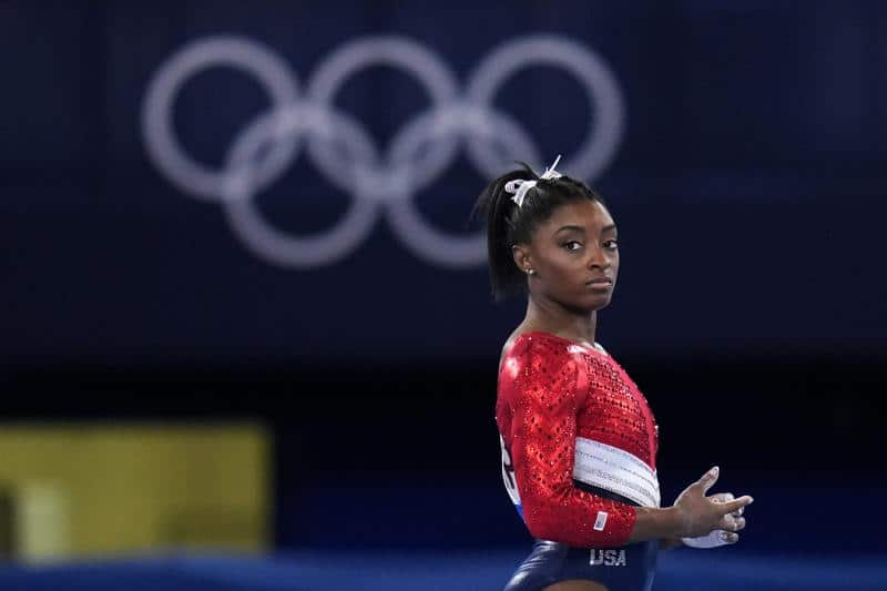 800 - Olympic champ Simone Biles withdraws from all-around competition